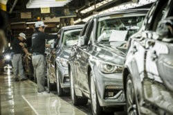 2018_INFINITI_Q50_production_begins_in_Japan_09.jpg